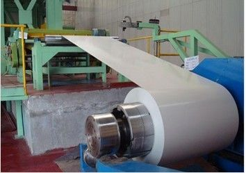 China 40 - 275 g/m2 Zinc recubrimiento 700 - 1250mm ancho EN 10169 DX51D + Z Color Coated Steel Coil proveedor