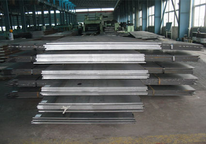 1200mm - 1800mm Width SS400, Q235, Q34 Hot Rolled Checkered Steel Plate / Sheet